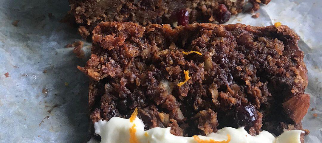 Carrot cake met noten en cranberry (vegan - glutenvrij) - Chocolade Zusjes