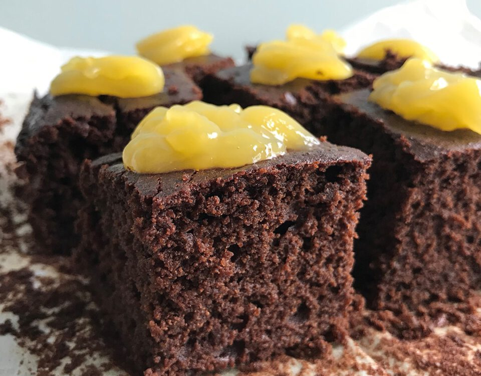 Chocolade brownie met lemon curd - Chocolade Zusjes