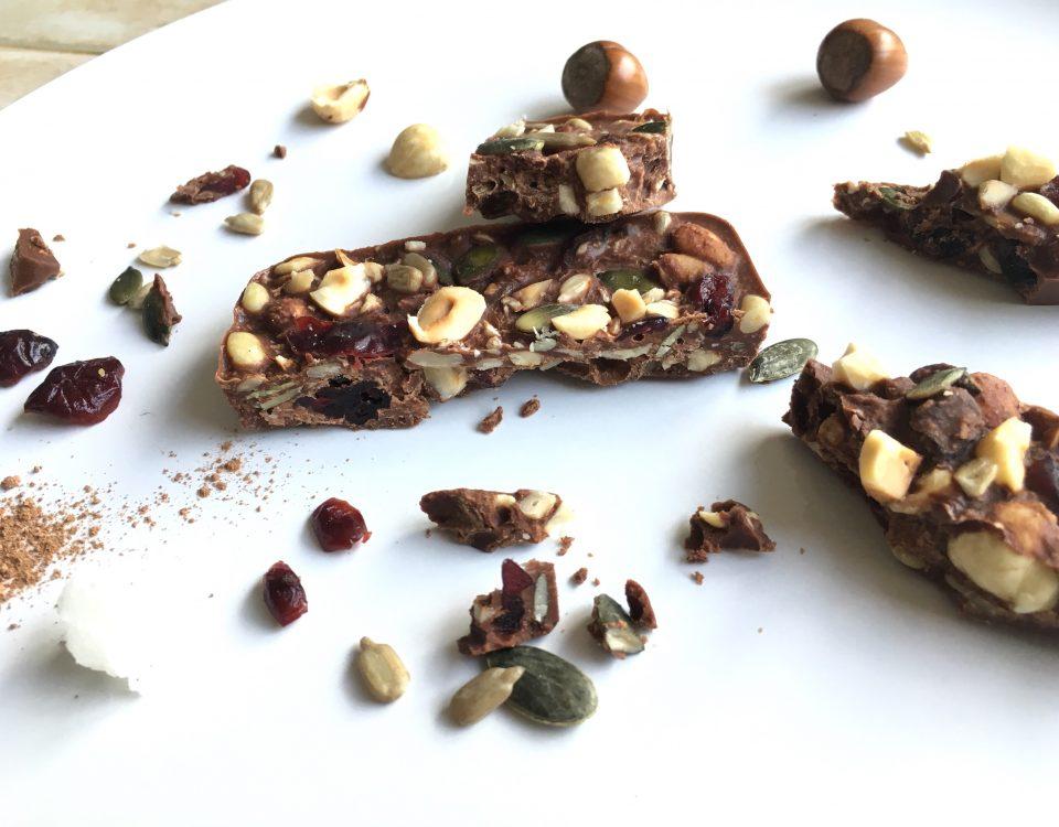Melkchocoladereep met hazelnoot, pitten en cranberry - Chocoladezusje