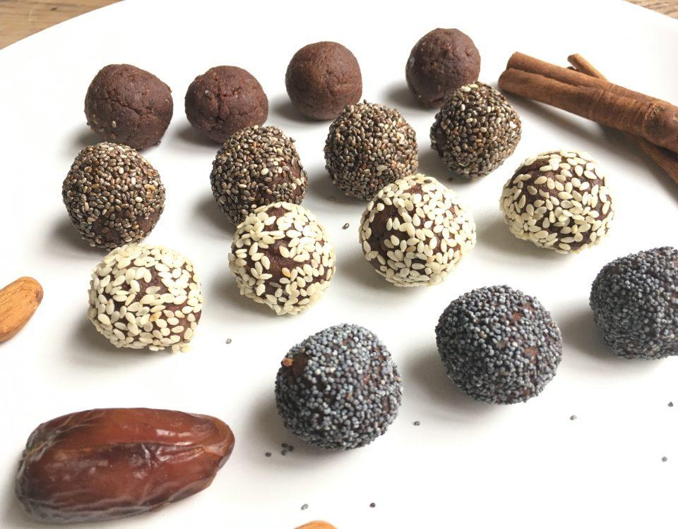 Speculaasballetjes met cacao chiazaad sesamzaadjes of maanzaadjes - Chocoladezusjes